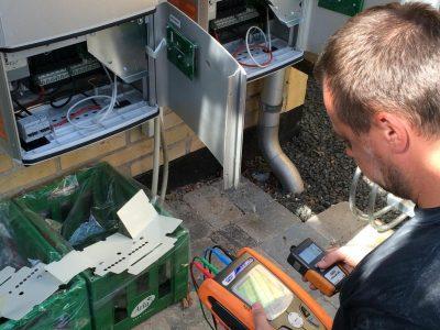 service og vedligeholdelse på solceller